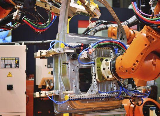 Montaż zrobotyzowany (fot. iStock)