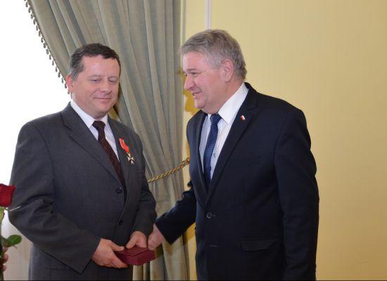 Krzyż Kawalerski Orderu Odrodzenia Polski dla dyrektora prof. ndzw. dr inż. Piotr Szynkarczyka