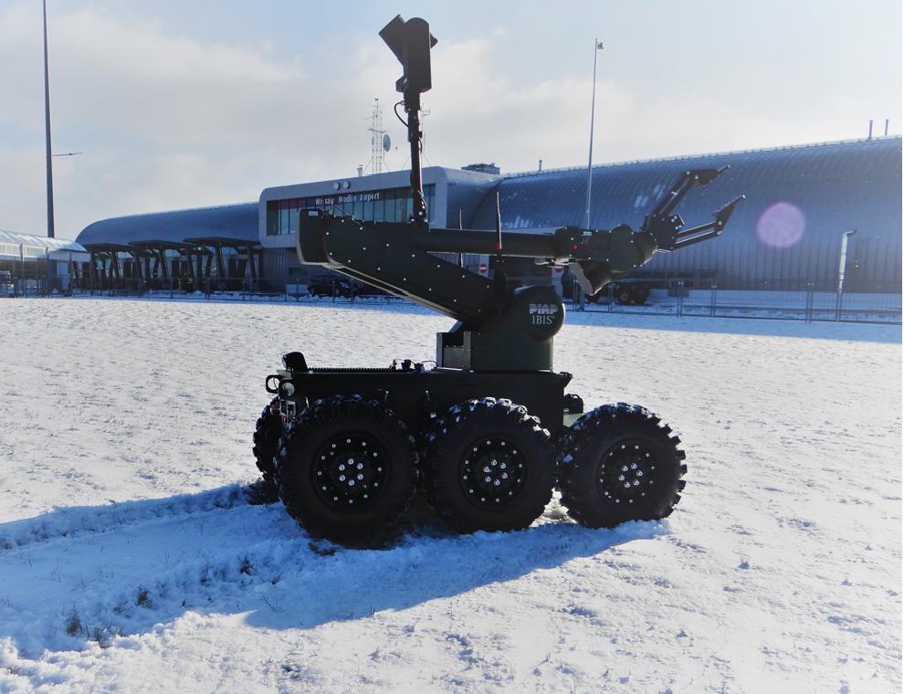 Robot-IBIS-PIAP-Lotnisko-Modlin